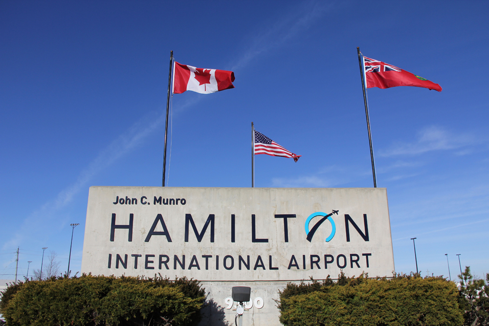Hamilton-International-airport-limojpg